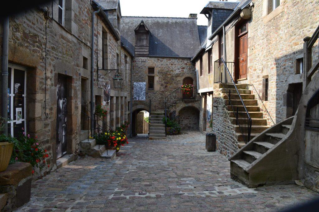 Cour du Foyer · Musée de la poêlerie · Maison de la dentellière
