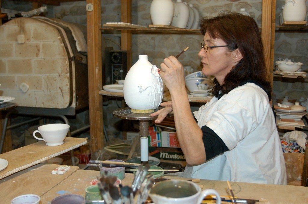 Chantal Lavaud · Décoratrice sur céramique