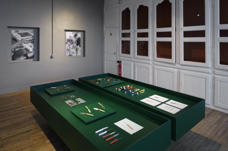 Vue de l'exposition Ricochet Couteaux & Savoir-Faire © Design Studio Monsieur © Jonathan Barbot
