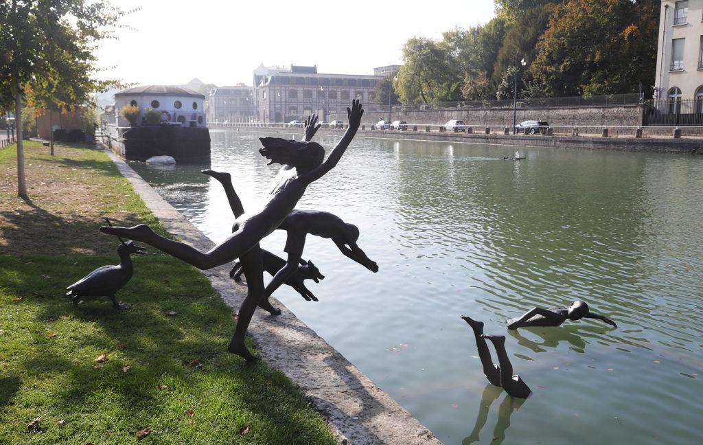 Statues de la Ribambelle Joyeuse